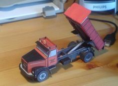 Scania 110 Tipper Truck Free Vehicle Paper Model Download