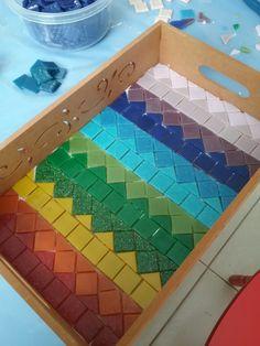 Mosaic Tray, Mosaic Tile Art, Mosaic Glass, Mosaic Designs, Mosaic Patterns, Mosaic Projects, Art Projects, Mosaic Garden Art, Tile Crafts
