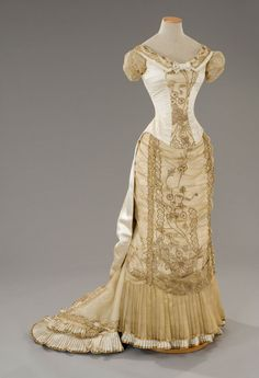 Another costume from The Age of Innocence, displaying the curiass style of the early 1880s.