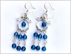 I just finished another tutorial: Simple dangle earrings made with wire and czech glass beads. I took the pictures for it more than a yea...