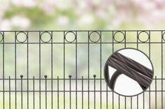 Design hekwerk type Londen uit onze #Elegance #Premium programma: -Standaard lengte 2510 mm -Hoogtes 800 en 1000 mm *Kleuren zilver, grijs, antraciet, groen, roestkleurig, rood, blauw en champagne. Andere maten en kleuren op aanvraag.  #www.zichtdicht.nl