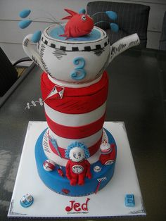 Dr Suess cake so cute Wissing Cheney Crazy Cakes, Fancy Cakes, Cupcakes, Cupcake Cakes, Dr Suess Cakes, Hat Cake, Love Cake, Pretty Cakes, Cake Creations