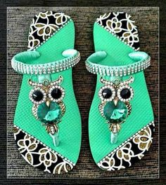 Bling Sandals, Toe Ring Sandals, Cute Sandals, Flat Prom Shoes, Owl Shoes, Crochet Flip Flops, Bling Converse, Decorating Flip Flops, Slippers For Girls