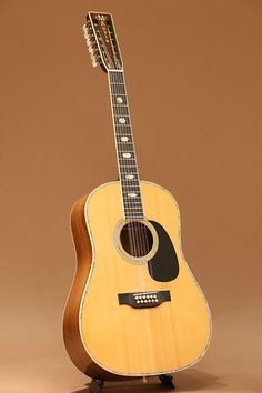 Martin D12-41 (1974 ) : Only one was made in this year. Sitka Spruce top, Indian Rosewood back & sides.