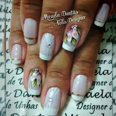 Unha delicada de Micaela Dantas.  Sensitive nail. Uña sensible. Unghie sensibili.
