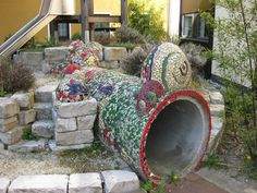 Beton-Mosaik-Skulpturen