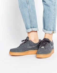 Nike - Air Force 1 07 - Baskets en daim - Gris