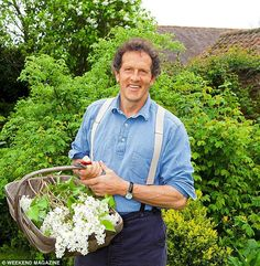 never need a florist again! Monty Don Monty's guide to growing great flowers will mean you needn't visit a florist all summerMonty's guide to growing great flowers will mean you needn't visit a florist all summer Cut Flower Garden, Flower Farm, Flower Gardening, Gardening Websites, Gardening Tips, Organic Gardening, Gardening Books, Grow Your Own Wedding Flowers, Monty Don