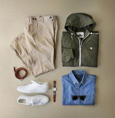 One of my current favorite color palettes. Jacket: @penfieldusa Rochester in Olive Chinos: @corridornyc Tan Stretch Made in USA Belt: @caputoandco Braided Leather Watch: @la_matera Navy San Martin w/ Timex Timepiece Shoes: @commonprojects Shirt: @bananarepublic Denim