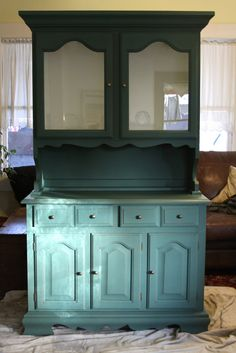 the vintage bricoleur: Annie Sloan Chalk Paint Tutorial - Hutch
