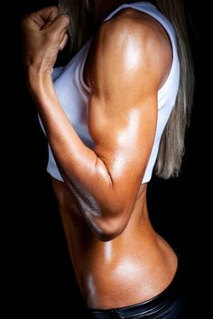 Muscles are a girls best friend. Good visual for my goal!
