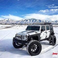 Repiblish if you'd drive this Jeep! Offroading in the snow Auto Jeep, Jeep 4x4, Jeep Truck, Jeep Wrangler Girl, Jeep Wrangler Rubicon, Lamborghini, Ferrari, Audi, Bmw
