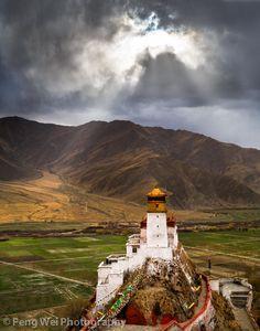 Photograph Yungbulakang Palace, Tibet by Feng Wei on 500px