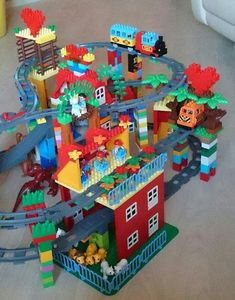 Lego For Kids, Diy For Kids, Crafts For Kids, Lego Duplo Train, Lego Trains, Lego Display, Lego Challenge, Holidays With Kids, Lego Building