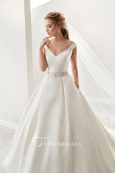 Shop affordable Simple V-Neck A-Line Satin Wedding Dress With Beaded Belt And Brush Train at June Bridals! Over 8000 Chic wedding, bridesmaid, prom dresses & more are on hot sale. Corset Back Wedding Dress, Wedding Dresses Size 14, Western Wedding Dresses, Plus Size Wedding, Perfect Wedding Dress, Bridal Dresses, Wedding Gowns, Bridesmaid Dresses, Elegant Wedding