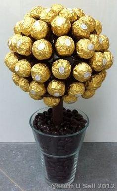 Centro de mesa con chocolates ferrero