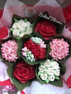 Small Valentine's bouquet www.bakedblooms.com