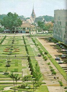Phnom Penh Old Pictures, Old Photos, Vintage Photos, Cambodia Travel, Phnom Penh, Old Maps, Vietnam, Tour Operator, Historical Maps
