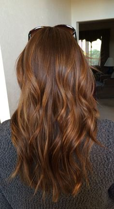 Lovely Copper Balayage - 60 Auburn Hair Colors to Emphasize Your Individuality - The Trending Hairstyle Brown Hair With Caramel Highlights, Brown Hair Balayage, Auburn Balayage Copper, Cinnamon Brown Hair Color, Carmel Brown Hair, Purple Highlights, Brown Hair Red Highlights, Copper Balayage Brunette, Chestnut Highlights