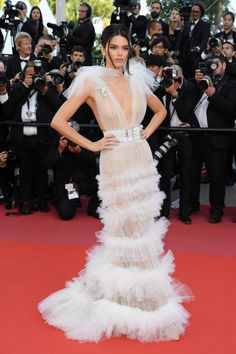 Kendall Jenner Goes Braless in Another Sheer Gown at Cannes Film Festival!: Photo Kendall Jenner looks stunning in a white gown while stepping out for the premiere of Girls of the Sun during the 2018 Cannes Film Festival on Saturday (May in… Beauty And Fashion, Fashion Mode, Fashion 2018, White Fashion, Festival Looks, Beautiful Dresses, Nice Dresses, Vestidos Fashion, Sheer Gown