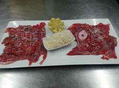 Saborea la cocina del restaurante vinoteca Nova Lúa Chea en A Coruña. Reserva aquí tu mesa con ventajas.