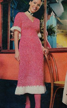 Vintage 1970's Ruffled Dress Crochet Pattern por CreationsbyMESHELL, $4.00