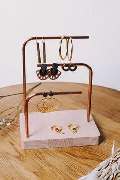 Door jewelry wood and metal Earring Storage, Jewelry Organizer Wall, Earring Display, Jewellery Storage, Jewelry Organization, Jewellery Display, Jewelry Stand, Jewelry Holder, Copper Beech