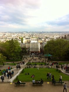 Follower Katharina Kierig suggests the dancers enjoy the view from Montmartre. #sfbinparis