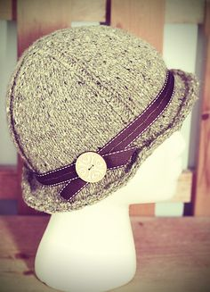 This hat is too adorable! I love the variegated color of the yarn too.