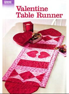 Valentines day table runner quilt by deb strain for moda for Diy valentine table runner