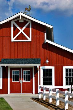 Easy Fence How To Make art deco front fence.Pallet Fence For Pigs. Big Red Barn, White Barn, White Fence, Green Barn, Easy Fence, Low Fence, Front Fence, Kitchen Remodel Pictures, Barn Shop