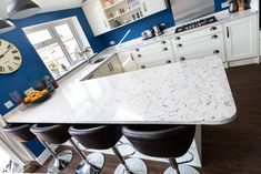 Kitchen of the week… Located in Hitchin, Herts, showcasing the Bianco Foresta - Rock and Co Granite Ltd Light Colors, Colours, Kitchen Worktop, Work Tops, Luxury Kitchens, Traditional Kitchen, House Painting, Granite, Rock
