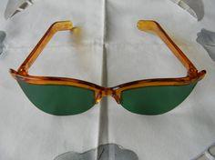 True vintage rare Fosta sunglasses Made in the USA. Retro, Jewelry Accessories, Fashion Accessories, Mode Inspiration, Eye Glasses, Timeless Fashion, Fascinator, Eyewear, Eye Candy