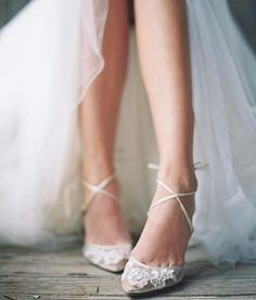 Think flat wedding shoes are not as elegant as heels? We've rounded up our favourite ballet pumps, flat peep-toes and bridal sandals for your big day.