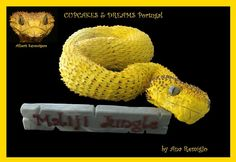 My first cake of It´s a Snake, Atheris Squamigera, for those who don´t know it´s an african venomous viper species (the real one is the little photo on the left uper side). Reptile Shop, Snake Cakes, Portugal, Snake Venom, Cake Picks, Themed Cupcakes, Cute Cakes, Amazing Cakes, Kids Meals