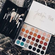 Morphe jaclyn hill 35 Eye shadow - new_make_up_pintennium Palette Morphe, Makeup Eyeshadow Palette, Skin Makeup, Makeup Box, Prom Makeup, Makeup Case, Morphe 350 Palette Looks, Makeup Morphe, Eyebrow Makeup