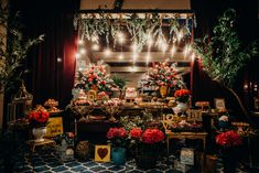 LOVE em Santa Catarina – Dryele e Daniel | Lápis de Noiva Wedding Decorations, Table Decorations, Decor Wedding, Boho Chic, Floral Design, Christmas Tree, Holiday Decor, Party, Corner