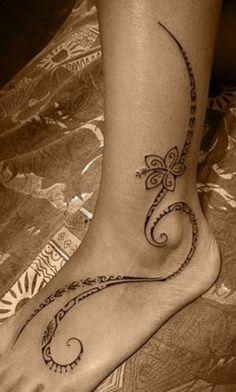 Tatouage pied femme - Tatouage