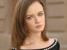 Alexis Bledel is listed (or ranked) 29 on the list The Most Gorgeous Women with Doe Eyes List Of Female Celebrities, Beautiful Celebrities, Gorgeous Women, Hair Growth Tips, Hair Care Tips, Doe Eyes, Alexis Bledel, Great Hair, Hair Highlights