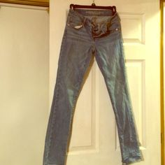 American Eagle junior jeans Great pair of jeans by American Eagle skinny stretch junior jeans size 00. Worn a handful of time still in great condition American Eagle Outfitters Jeans Skinny