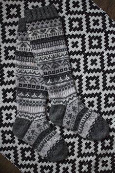 Knit Crochet, Crotchet, Knitting Socks, Mittens, Wool Hats, Scarfs, Gloves, Socks, Knit Socks