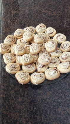 Cinnabon Biscuits recipe by Ruhana Ebrahim posted on 15 Apr 2017 . Recipe has a rating of by 1 members and the recipe belongs in the Biscuits & Pastries recipes category Biscuit Cookies, Biscuit Recipe, Shortbread Cookies, Pastry Recipes, Baking Recipes, Eid Biscuits, Low Carb Brasil, Diwali Food, Halal Recipes