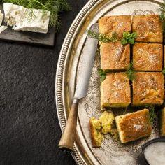 Γλυκιά πασχαλινή γιαουρτόπιτα / Sweet easter pie with yogurt. Εύκολη συνταγή για μια δροσερή γιαουρτόπιτα που αποτελεί ιδανικό επιδόρπιο, με σχετικά λίγα λιπαρά! #millsofcrete #greekrecipes #greekfood #yogurtrecipes #yogurtsweets #easterrecipes #συνταγες #πασχα #γιαουρτοπιτα #πιτα #γιαουρτι #γλυκα Easter Recipes, Yogurt, Cheese, Food, Meals, Yemek, Eten