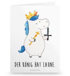 Grußkarte Einhorn König mit Schwert aus Karton 300 Gramm  weiß - Das Original von Mr. & Mrs. Panda.  Die wunderschöne Grußkarte von Mr. & Mrs. Panda im Format Din Hochkant ist auf einem sehr hochwertigem Karton gedruckt. Der leichte Glanz der Klappkarte macht das Produkt sehr edel. Die Innenseite lässt sich mit deiner eigenen Botschaft beschriften.    Über unser Motiv Einhorn König mit Schwert  Ein Einhorn Edition ist eine ganz besonders liebevolle und einzigartige Kollektion von Mr. & Mrs…