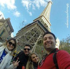 Podia ser Paris mas é a belíssima torre do hotel em Las Vegas que não deixa nada a desejar!!  by amigosnaviagem
