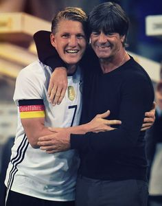 Bastian Schweinsteiger and Jogi Löw Real Soccer, Soccer Fans, Football Soccer, Football Players, Bastian Schweinsteiger, Germany Football, Dfb Team, Trainer, Fifa World Cup