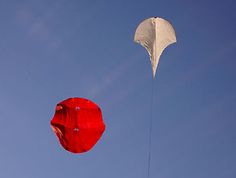 kisa. - kisa. - art kite festival in Cervia - wind art - sky art // kisa.de