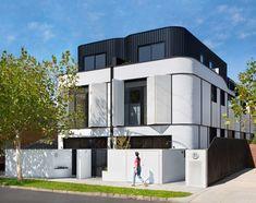 〚 Bright modern Art Deco inspired townhouse in Melbourne 〛 ◾ Photos ◾Ideas◾ Design Arte Art Deco, Art Deco Home, Modern Townhouse, Townhouse Designs, Duplex Design, Apartment Design, Brick Facade, Facade House, Contemporary Architecture