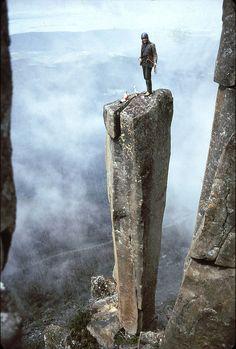 Escalada de colmillos de roca... Increible