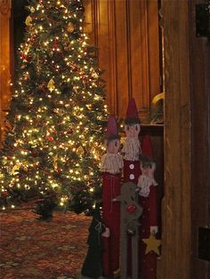 A beautiful Christmas tree at the Kalamazoo House Bed & Breakfast, in downtown Kalamazoo, Michigan.